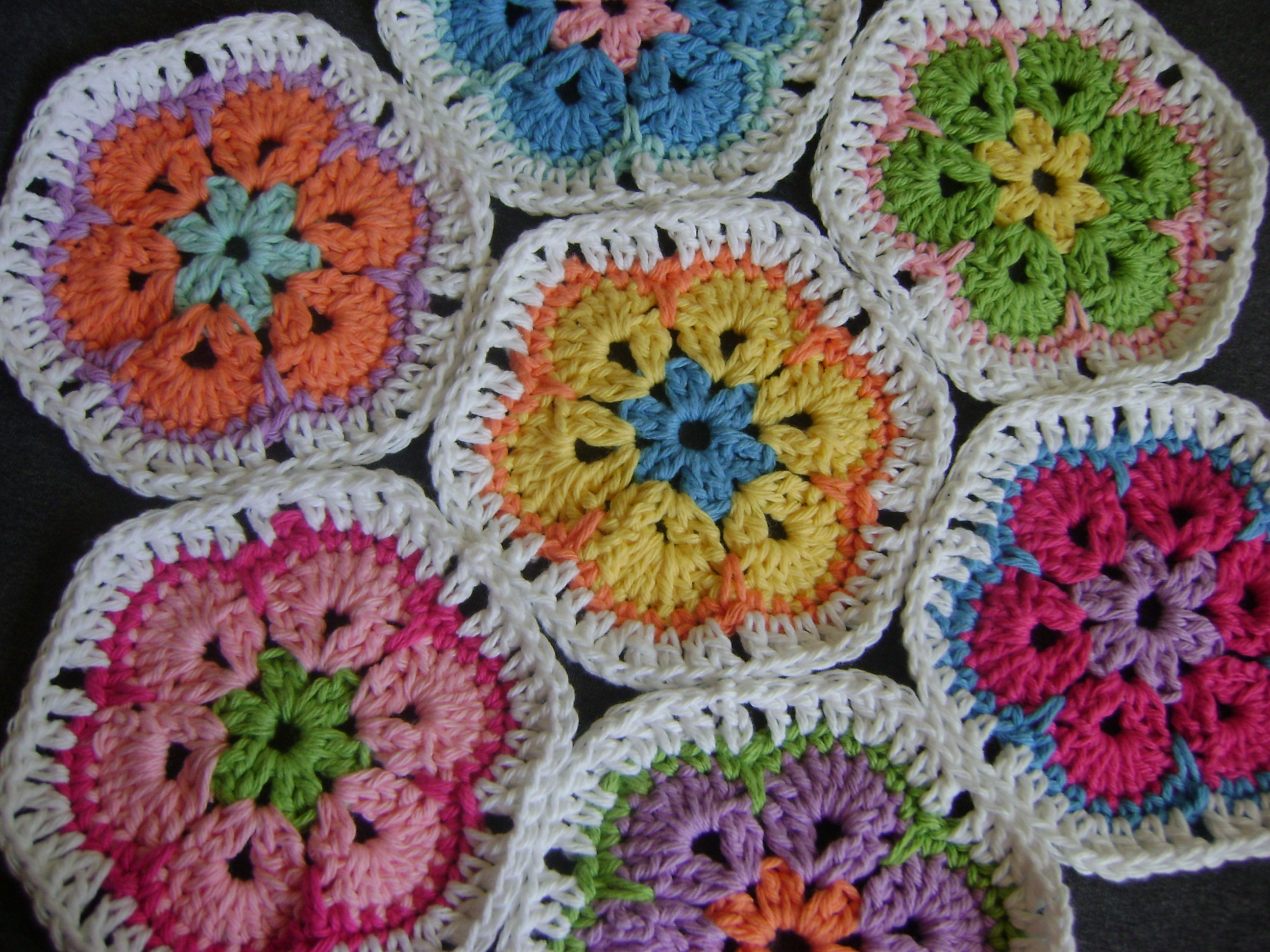 Crochet African Flower Pattern Free : The African Flower Grammy Hex
